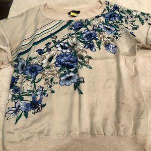 White House black market top sweater